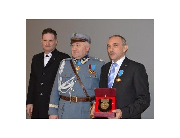 Złoty Krzyż Honorowy Związku Piłsudczyków Rzeczypospolitej Polskiej dla Prezesa Jana Szynaka